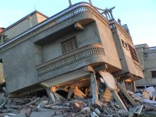 Effondrement maison suite à un séisme