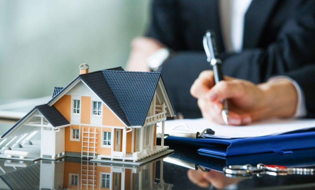 Signature d'un contrat d'assurance dommage ouvrage