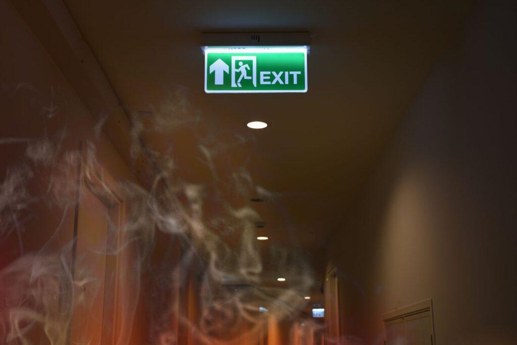 Eclairage répondant aux normes de désenfumage dans les ERP